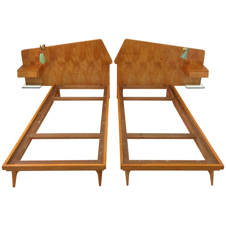 Pair of Gio Ponti Style Twin Beds For Sale