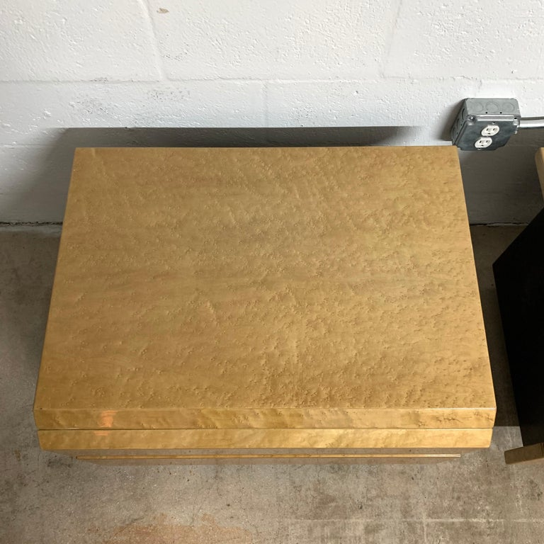 Wood Pair of Giovanni Offredi Postmodern Nightstands or Bedside Tables for Saporiti For Sale