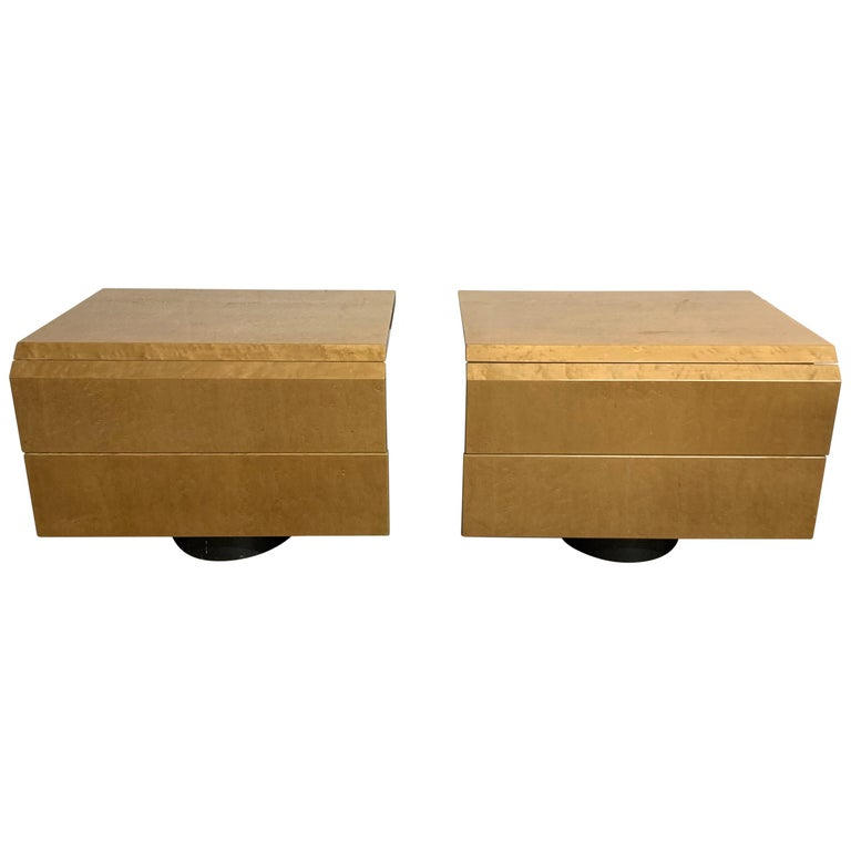 Pair of Giovanni Offredi Postmodern Nightstands or Bedside Tables for Saporiti For Sale