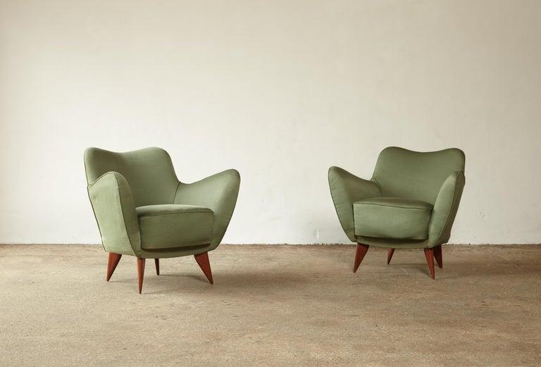 Mid-Century Modern Pair of Giulia Veronesi Perla Armchairs, Green Fabric, ISA Bergamo, Italy, 1950s For Sale
