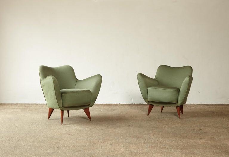 Italian Pair of Giulia Veronesi Perla Armchairs, Green Fabric, ISA Bergamo, Italy, 1950s For Sale