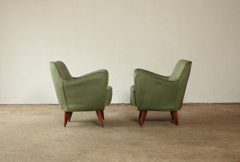 Pair of Giulia Veronesi Perla Armchairs, Green Fabric, ISA Bergamo, Italy, 1950s For Sale 2