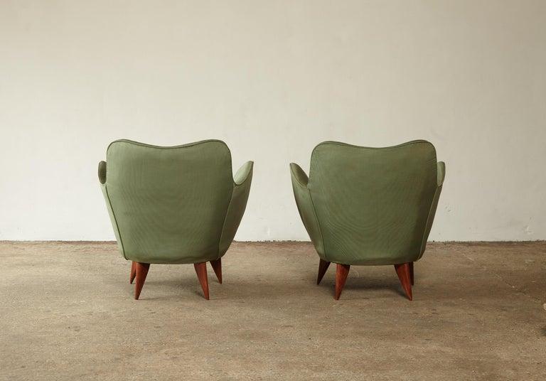 Pair of Giulia Veronesi Perla Armchairs, Green Fabric, ISA Bergamo, Italy, 1950s For Sale 3