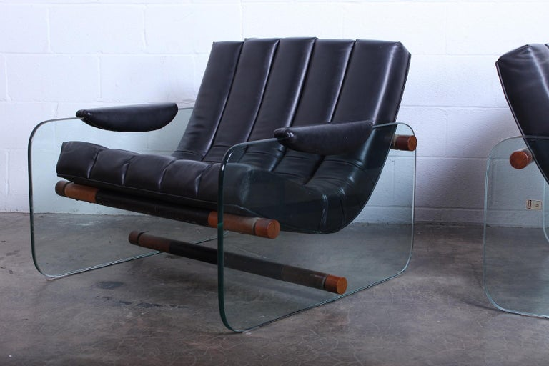Pair of Glass Mirox Lounge Chairs In Good Condition For Sale In Dallas, TX
