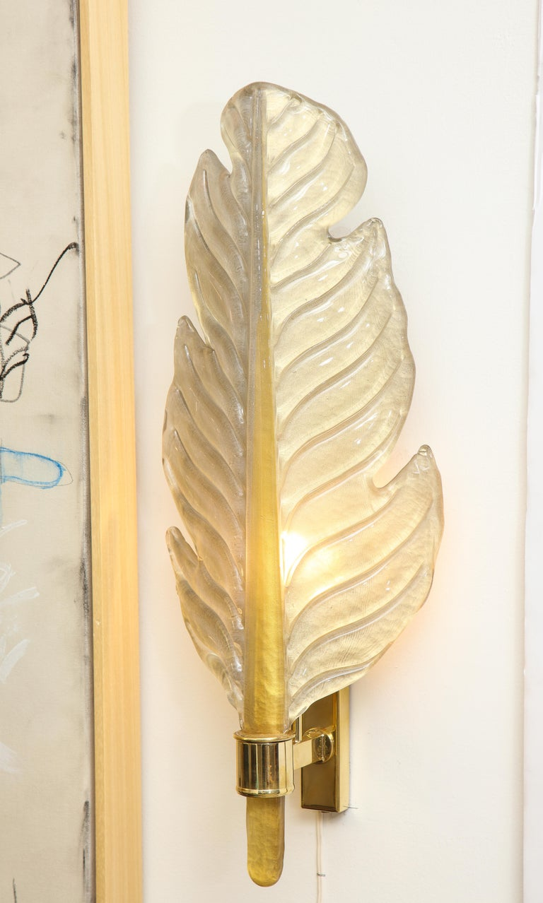 Pair of Gold Infused Murano Glass and Brass Leaf Sconces, Italy For Sale 4