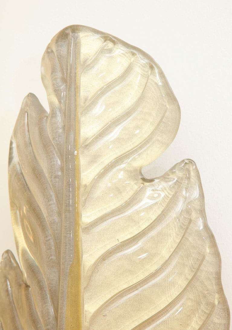 Pair of Gold Infused Murano Glass and Brass Leaf Sconces, Italy For Sale 5