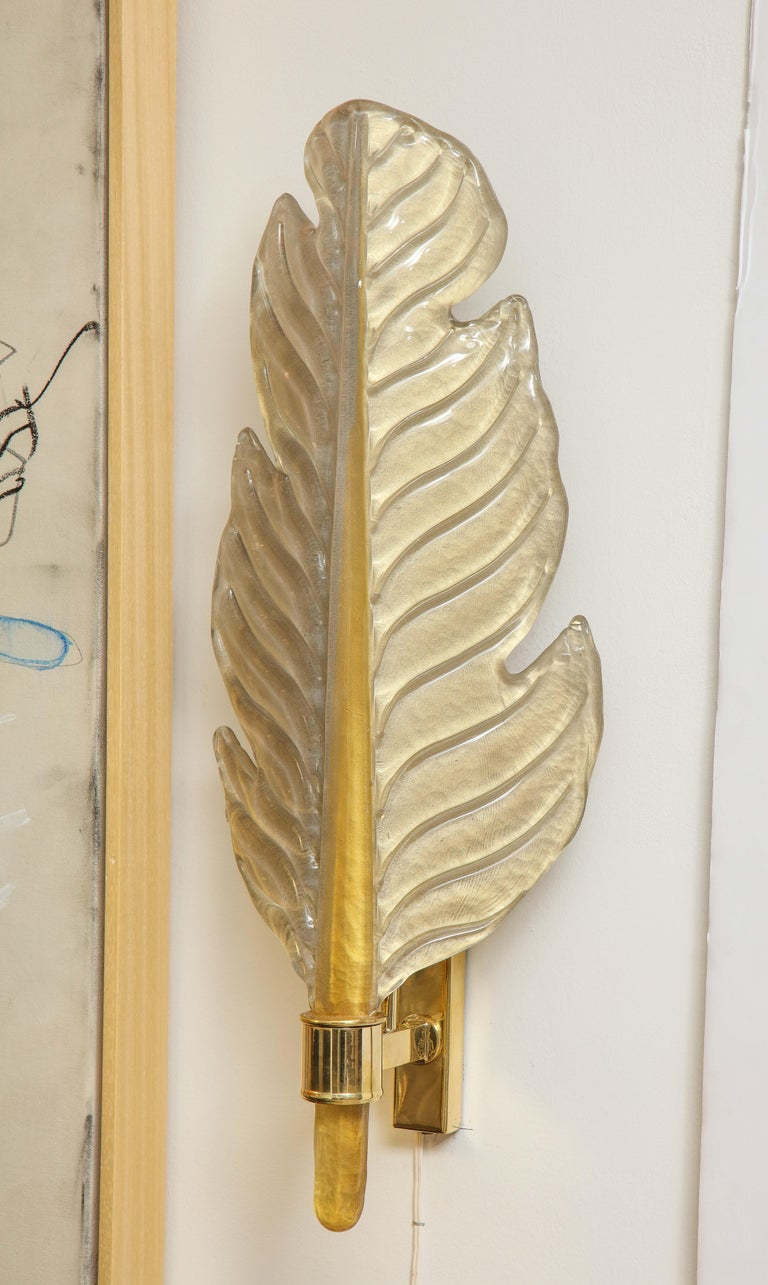Pair of Gold Infused Murano Glass and Brass Leaf Sconces, Italy For Sale 7