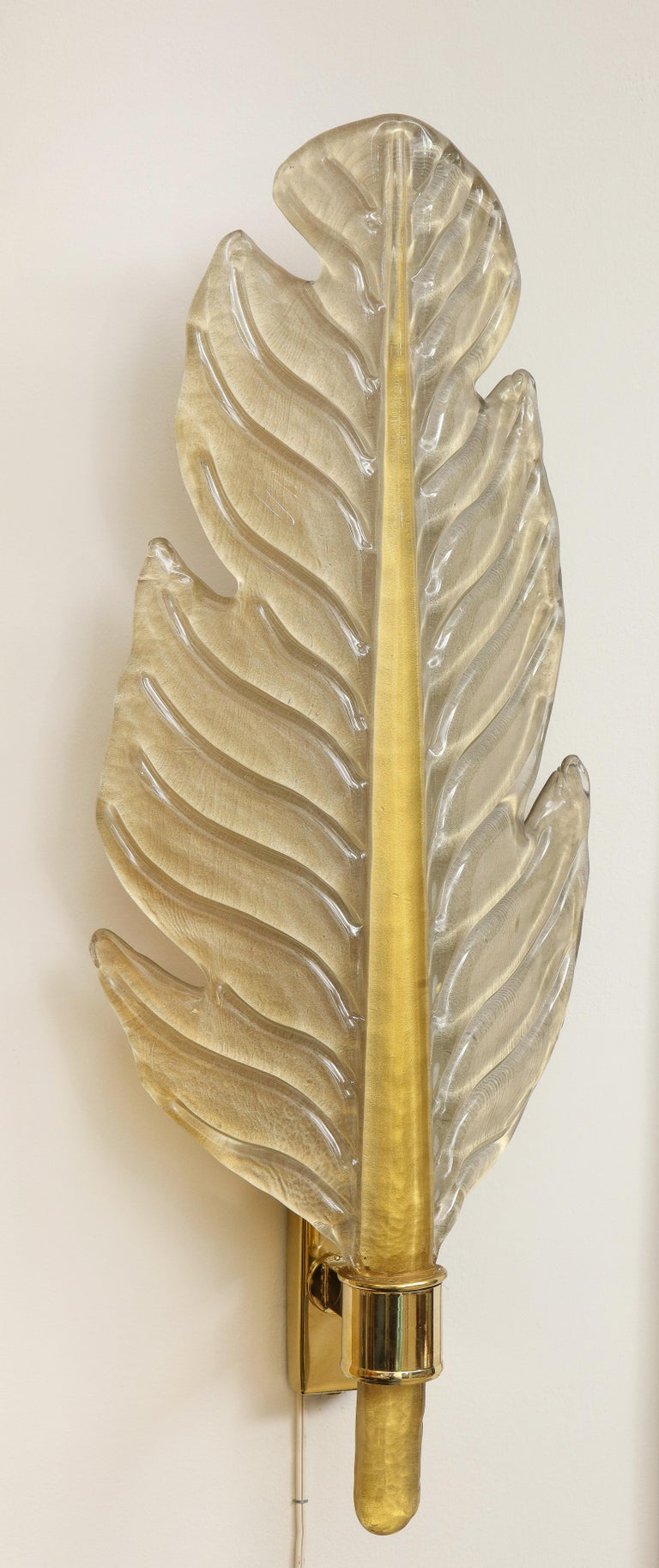 Pair of Gold Infused Murano Glass and Brass Leaf Sconces, Italy For Sale 9