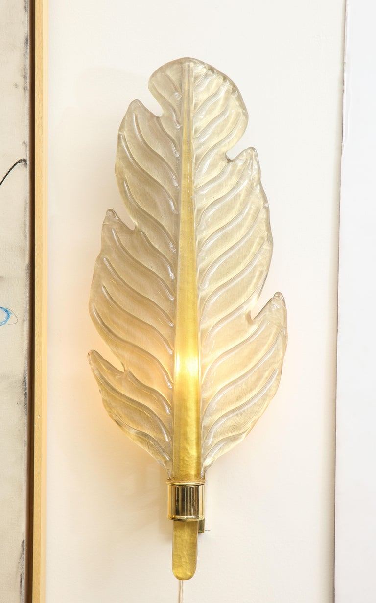 Pair of Gold Infused Murano Glass and Brass Leaf Sconces, Italy For Sale 3