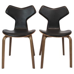 Pair of Grand Prix Chairs, Model 4130, by Arne Jacobsen and Fritz Hansen