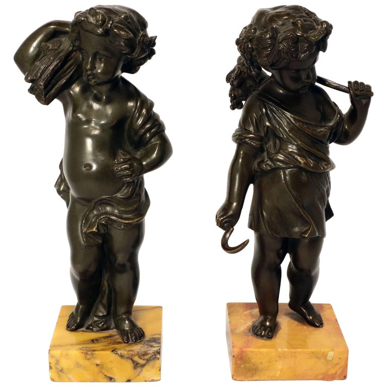 Pair of Grand Tour Bronze Putti For Sale