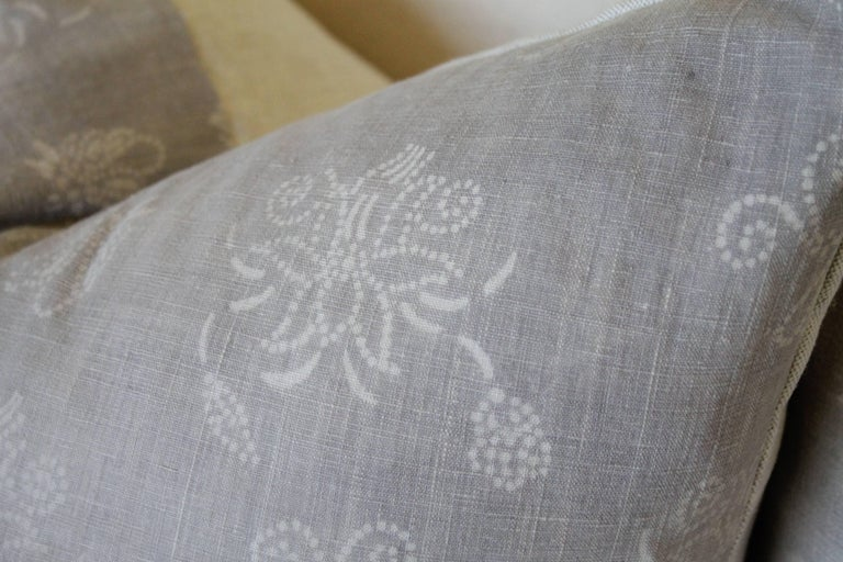 Chinese Pair of Gray Vintage Batik Accent Pillows For Sale