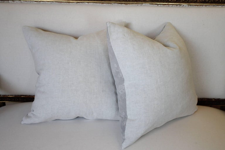 Pair of Gray Vintage Batik Accent Pillows In Good Condition For Sale In Brea, CA