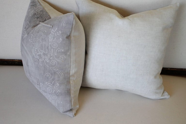 Pair of Gray Vintage Batik Style Accent Pillows In Good Condition For Sale In Brea, CA