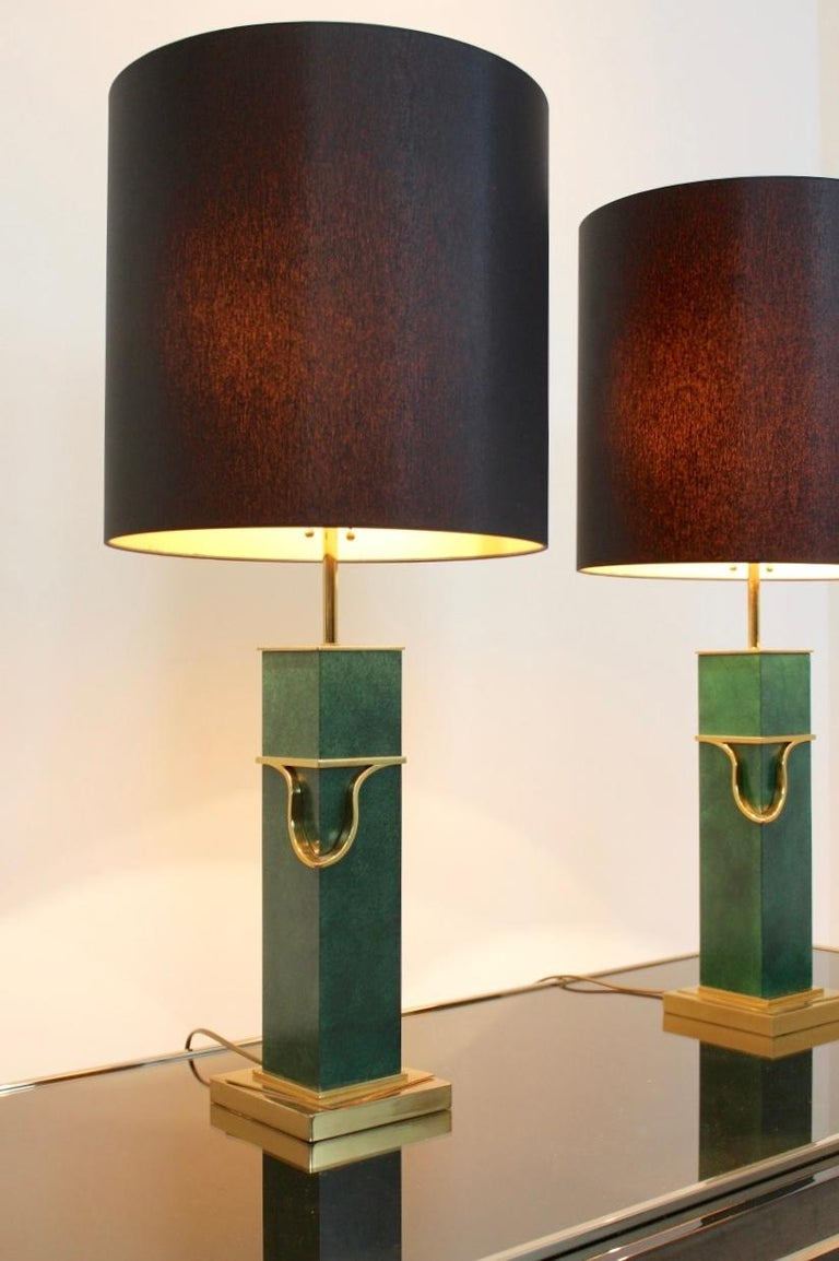 Pair of Green and Brass Mid-Century Modern Table Lamps In Good Condition For Sale In Voorburg, NL