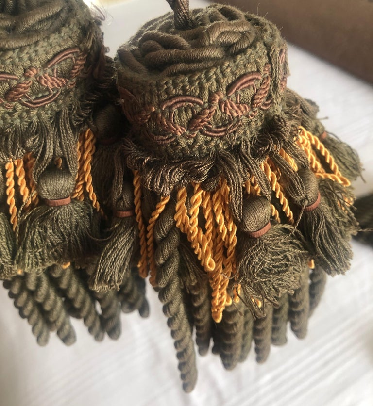 French Pair of Green and Gold Decorative Key Tassels For Sale