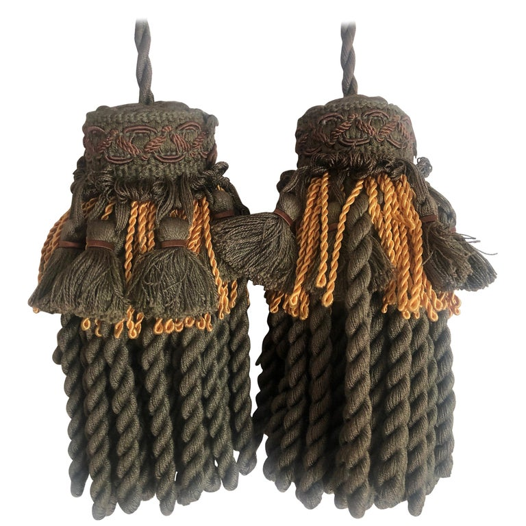 Pair of Green and Gold Decorative Key Tassels For Sale