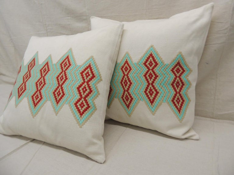 Guatemalan Pair of Green and Red Embroidered Square Decorative Pillows For Sale