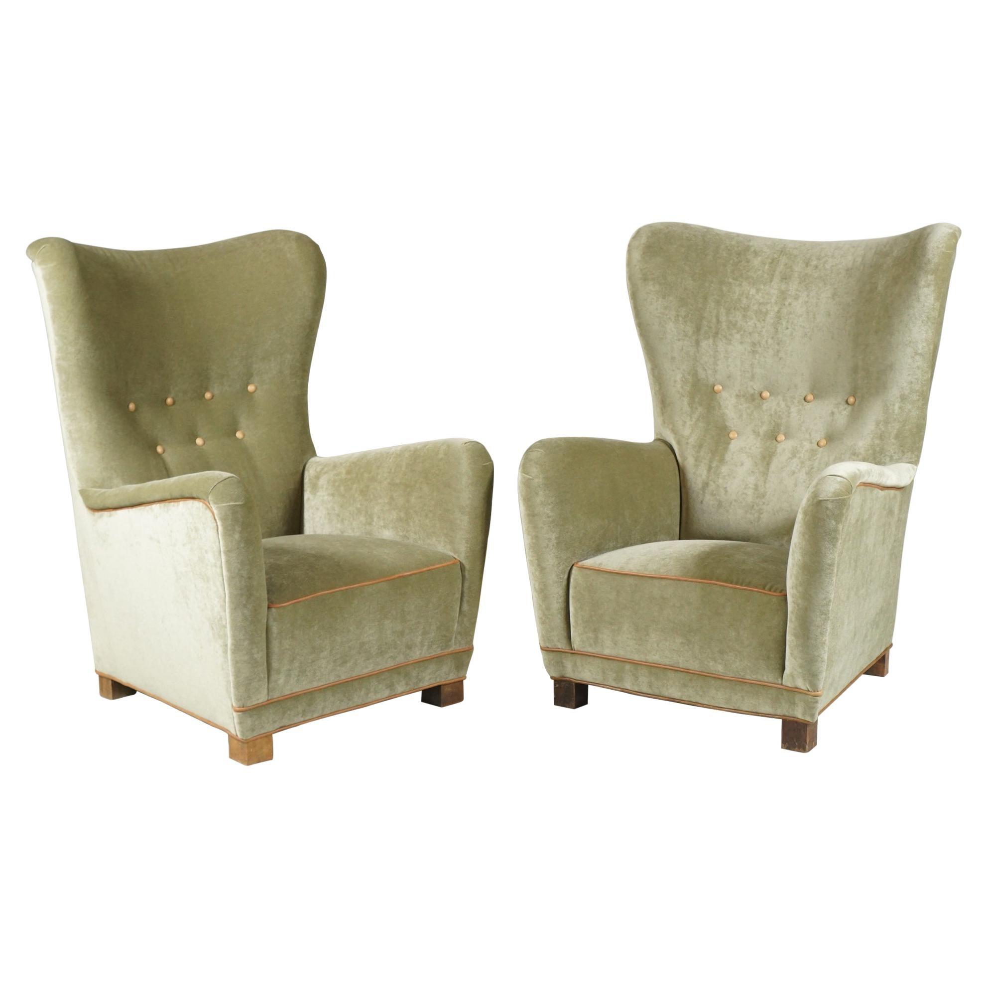 Pair of Green Armchairs by Fritz Hansen