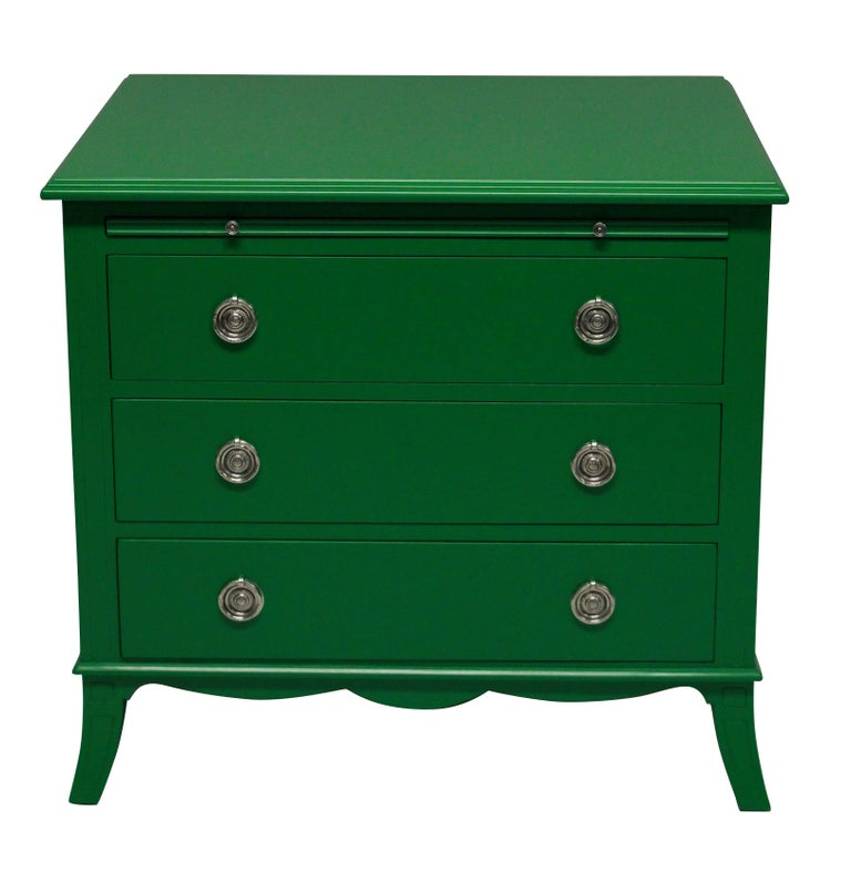 Pair of Green Lacquered Chests in the Manner of Dorothy Draper In Excellent Condition In London, GB
