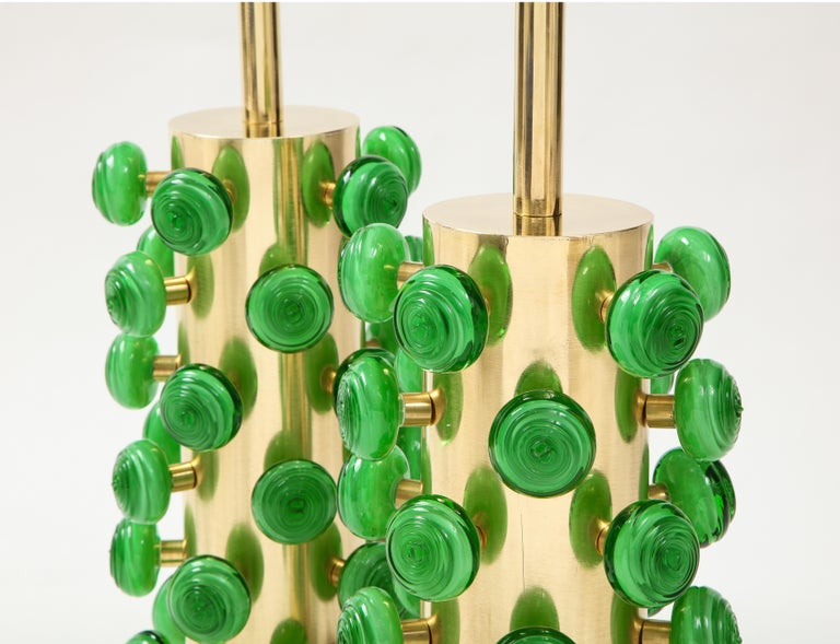 Pair of Green Murano Glass Knobs and Brass Cylinder Sculptural Lamps, Italy 2021 For Sale 3