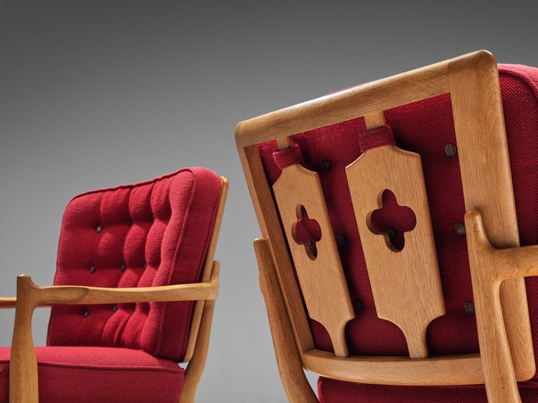 Mid-Century Modern Pair of Guillerme et Chambron Easy Chairs in Oak and Red Upholstery For Sale