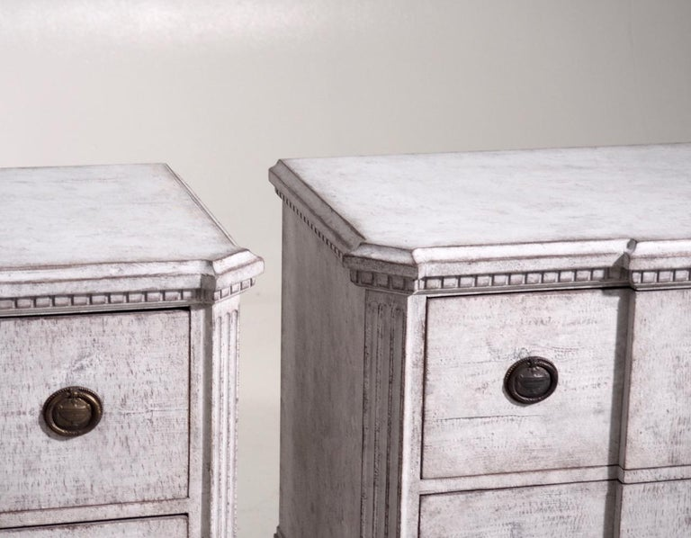 Pair of Gustavian break-front chests, 19th century.