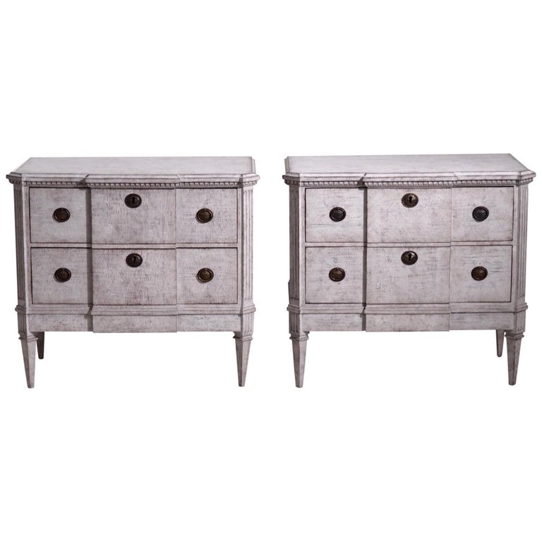 Pair of Gustavian Break-Front Chests, 19th Century For Sale