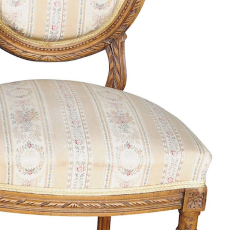 Pair of Gustavian Carved Canework Dining Chairs Natural Finish, Early 1900s In Good Condition For Sale In LONDON, GB