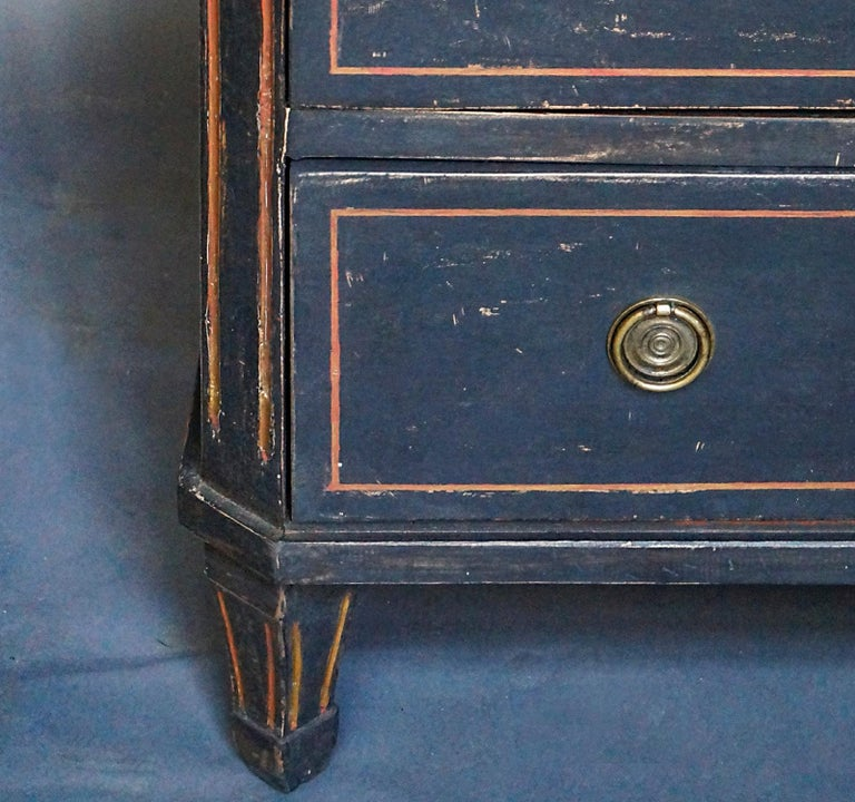 Wood Pair of Gustavian Style Chests of Drawers For Sale