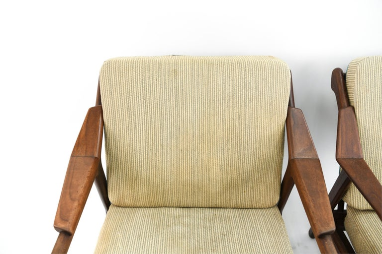 Pair of H. Brockmann-Petersen Danish Lounge Chairs For Sale 4