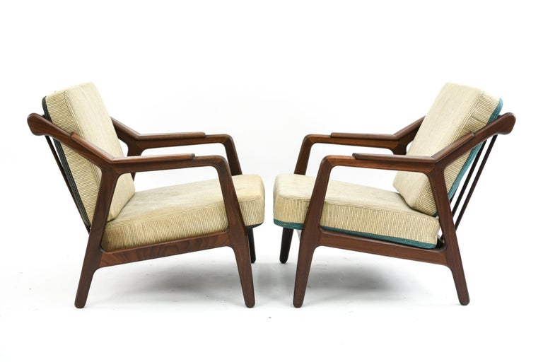 Pair of H. Brockmann-Petersen Danish Lounge Chairs For Sale 7