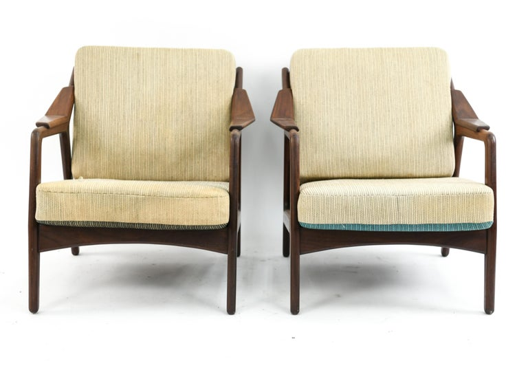 Pair of H. Brockmann-Petersen Danish Lounge Chairs For Sale 2