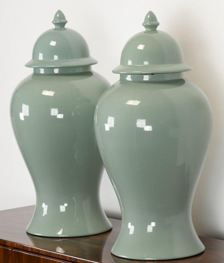 Mid-Century Modern Pair of Haeger Celadon Ginger Jars, 1980s For Sale