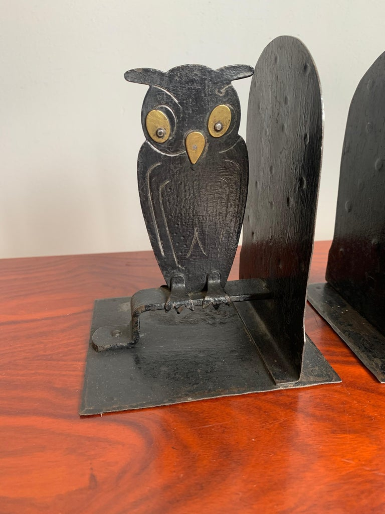 Pair of Hammered Arts & Crafts Blacked Metal Owl Bookends by Goberg, Hugo Berger For Sale 5