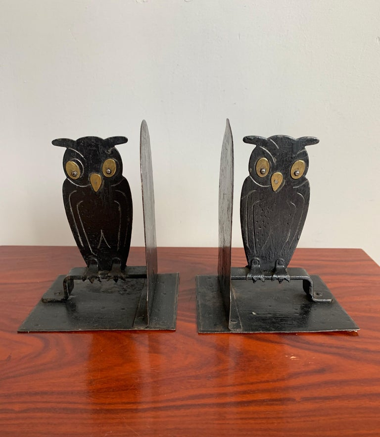 Pair of Hammered Arts & Crafts Blacked Metal Owl Bookends by Goberg, Hugo Berger For Sale 6