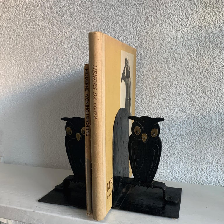 Pair of Hammered Arts & Crafts Blacked Metal Owl Bookends by Goberg, Hugo Berger For Sale 7