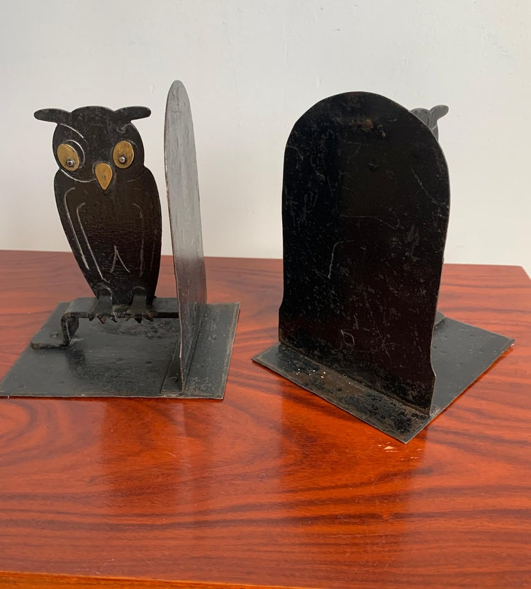 Pair of Hammered Arts & Crafts Blacked Metal Owl Bookends by Goberg, Hugo Berger For Sale 1