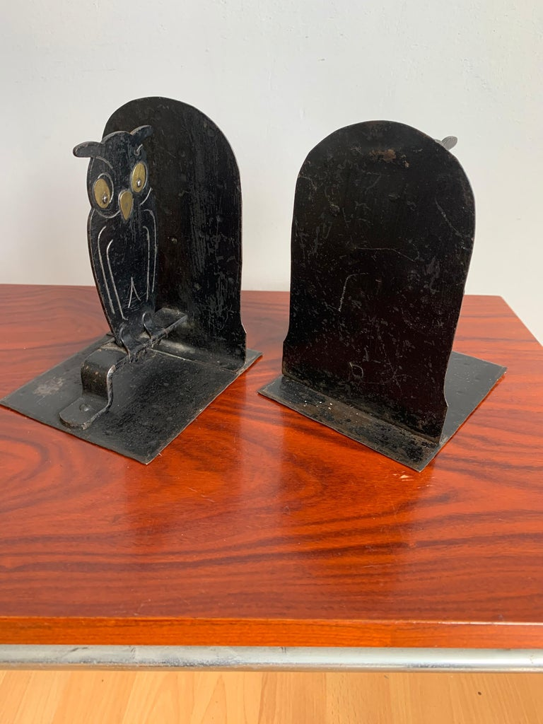 Pair of Hammered Arts & Crafts Blacked Metal Owl Bookends by Goberg, Hugo Berger For Sale 2