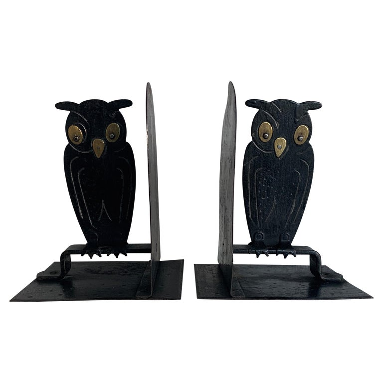 Pair of Hammered Arts & Crafts Blacked Metal Owl Bookends by Goberg, Hugo Berger For Sale