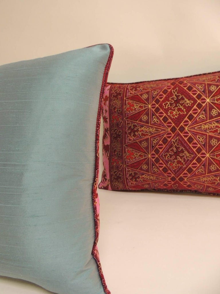 Pair of Hand-blocked Red and Pink Batik Bolster Decorative Pillows In Good Condition For Sale In Oakland Park, FL