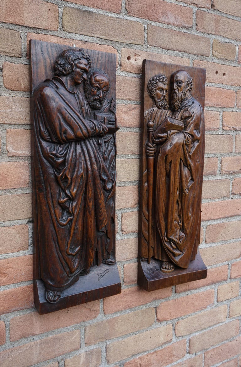 Pair of Hand Carved Antique Wall Plaques with Apostles or Clergyman Sculptures For Sale 2