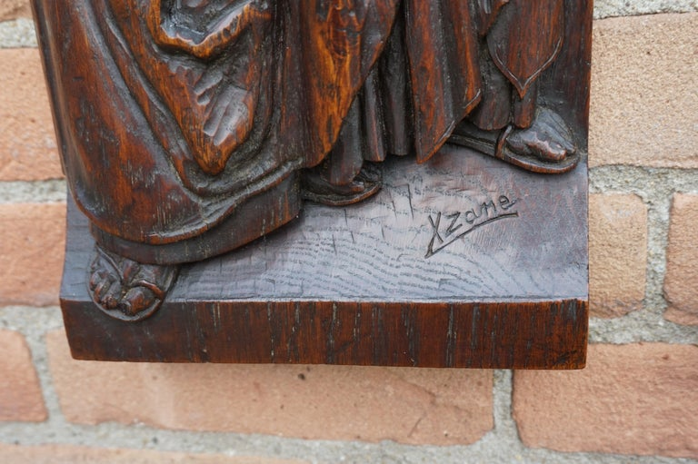 Pair of Hand Carved Antique Wall Plaques with Apostles or Clergyman Sculptures For Sale 5