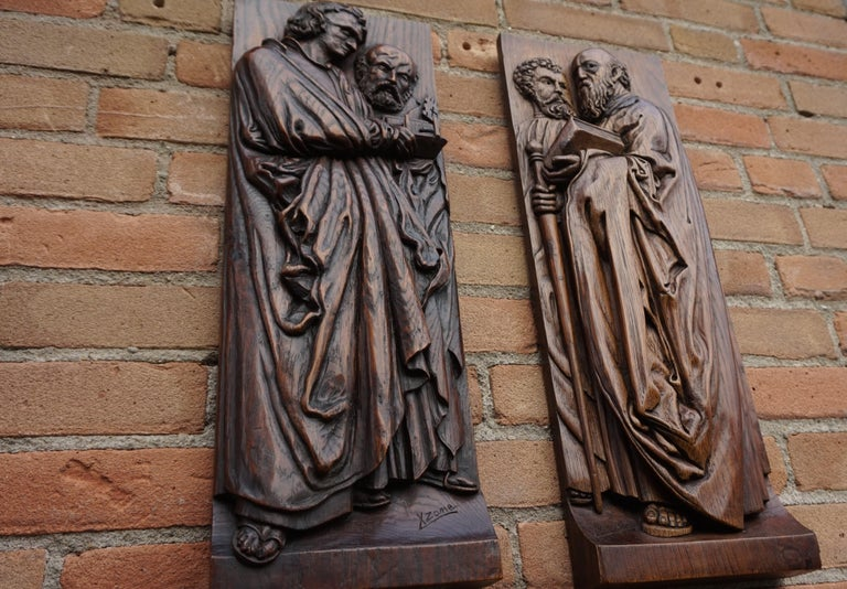 Pair of Hand Carved Antique Wall Plaques with Apostles or Clergyman Sculptures For Sale 9