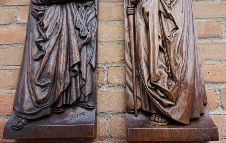 Hand-Crafted Pair of Hand Carved Antique Wall Plaques with Apostles or Clergyman Sculptures For Sale