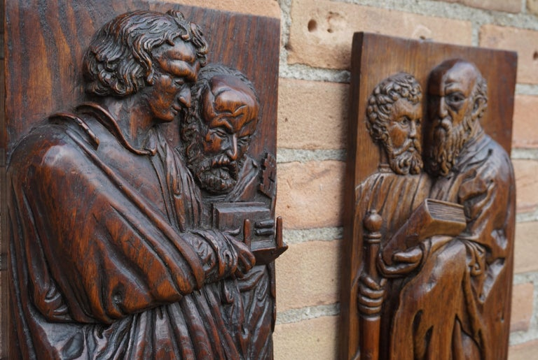 20th Century Pair of Hand Carved Antique Wall Plaques with Apostles or Clergyman Sculptures For Sale