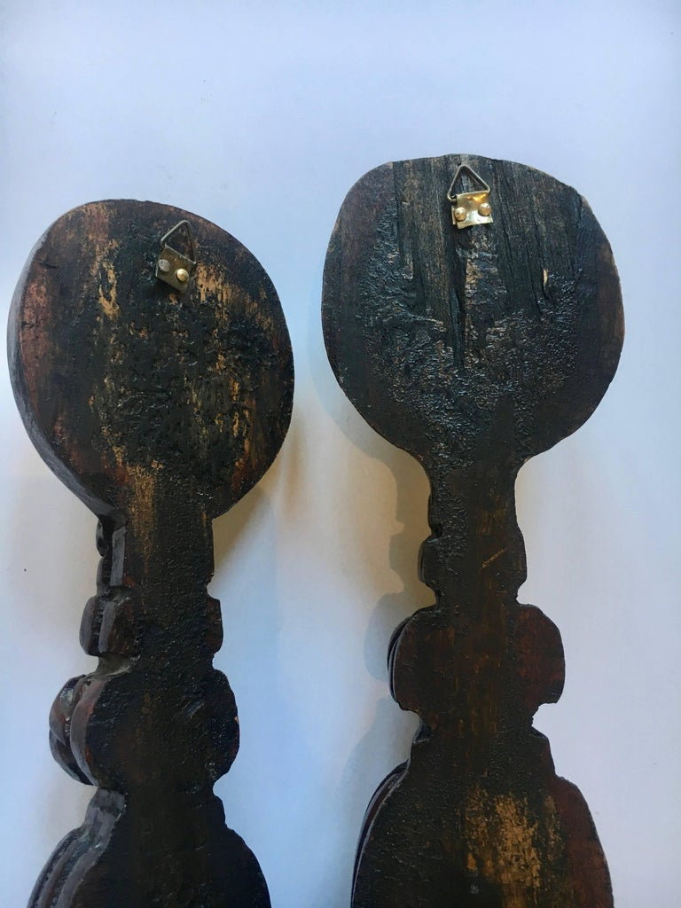 Pair of Hand-Carved Folk Art Wooden Tassels In Excellent Condition For Sale In Los Angeles, CA