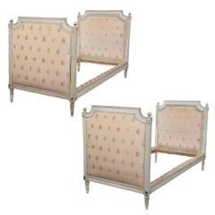 Pair of Hand-Carved French Louis XVI Beds by J.B. Boulard Original Paint, 1700s
