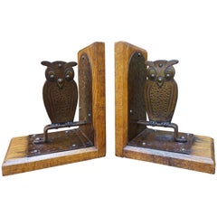 Pair of Hand Hammered Arts & Crafts Metal Owl Bookends by Goberg, Hugo Berger