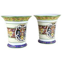 Ein Paar handbemalte Porzellan-Vasen, Italien, um 1900